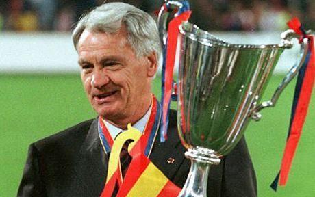 ¿Desde que año/temporada hasta que año/temporada estuvo Bobby Robson en el Newcastle United, último equipo como entrenador?