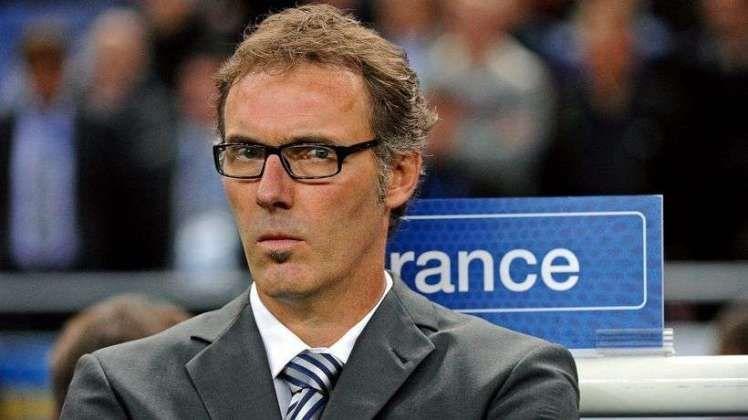 ¿Cuántas copas de la liga hasta la fecha ha ganado Laurent Blanc como entrenador con el París Saint Germain?