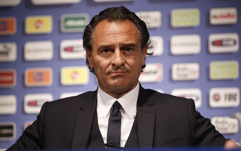 ¿En que equipo italiano ha sido entrenador durante más temporadas consecutivas, Cesare Prandelli?