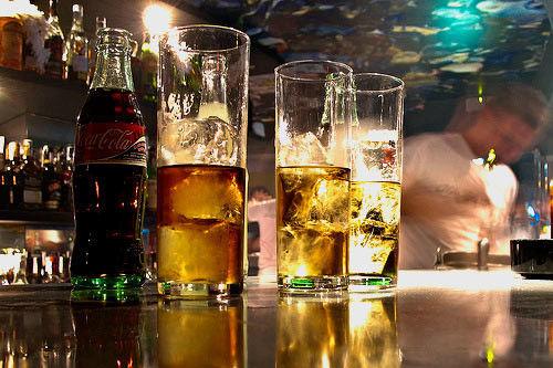 ¿A la semana cuánto sueles beber de alcohol? (número de cubatas, cervezas etc. al día en el que bebes)