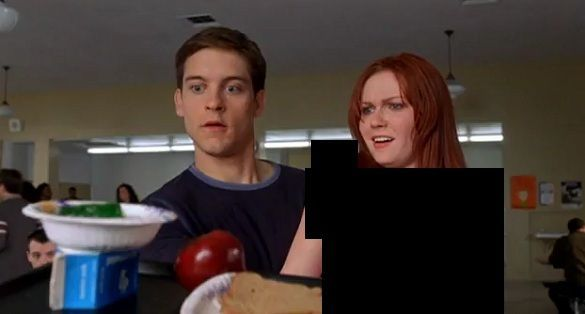¿De qué color es la camiseta de Mary Jane en Spiderman?