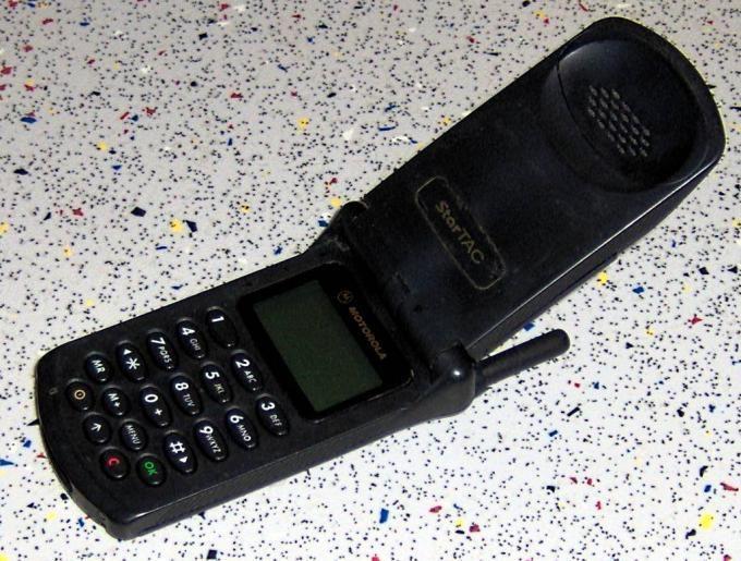 ¿Recuerdas el mítico Motorola StarTAC? ¿Cuál era su característica más destacada?