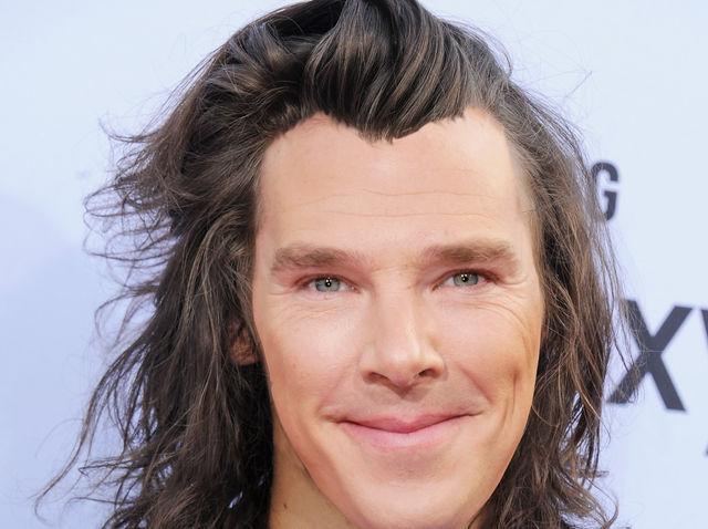 ¿De quién es el peinado que usa Benedict Cumberbatch en esta foto?