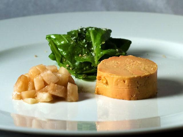 Verdadero o falso: Foie Gras es en realidad el resultado de la alimentación forzada y engorde de patos y gansos.
