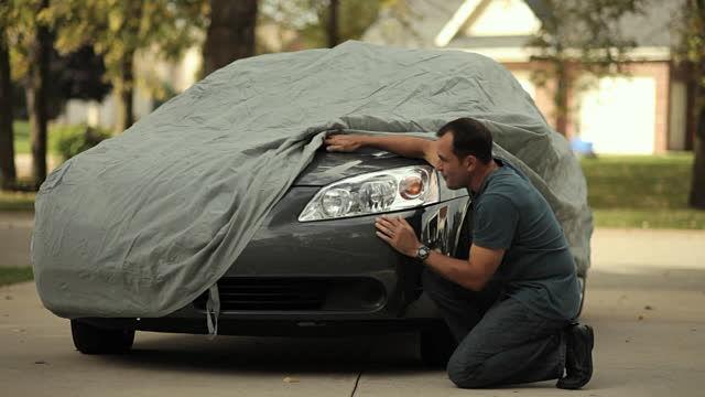 Te has bajado del coche para apreciarlo, ¿qué sientes por el coche?