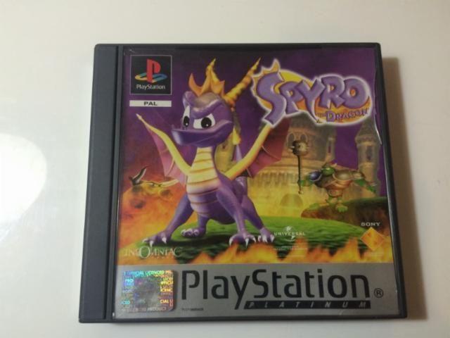¿Por quien fue compuesta la banda sonora de Spyro the Dragon?