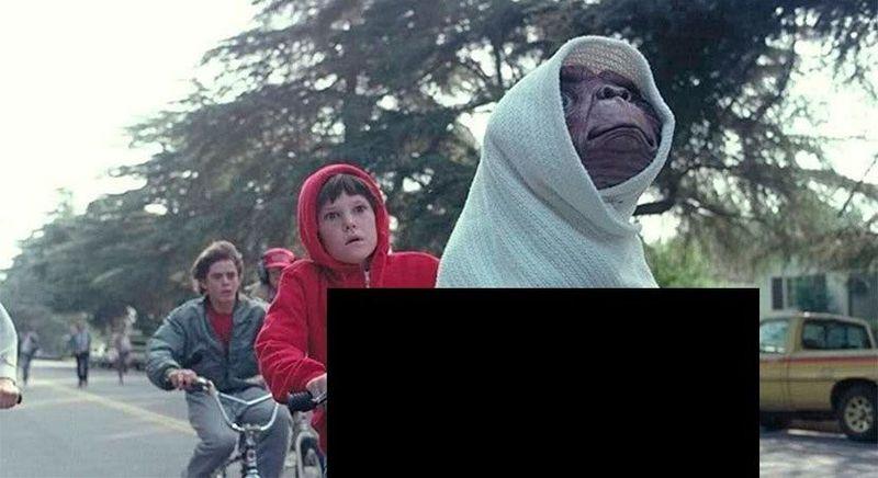 ¿De qué color es la caja dónde va ET en ET el extraterrestre?