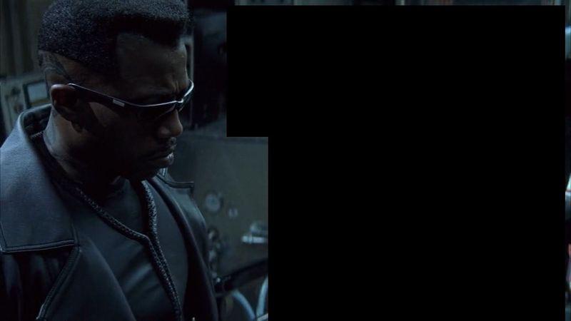 ¿Qué hay a la derecha de Blade en Blade?