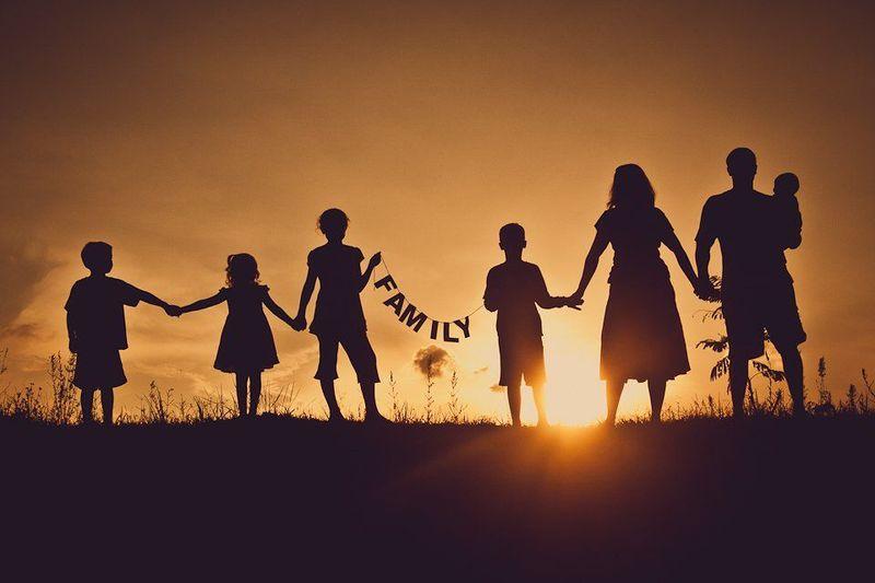 Entre padres y hermanos...