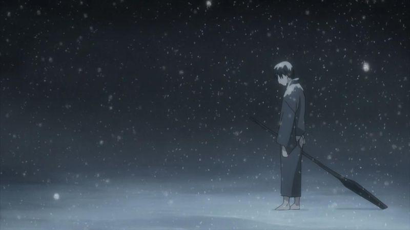 ¿Qué diferencias hay del protagonista respecto a la mayoría de personajes que se ven a lo largo del anime?