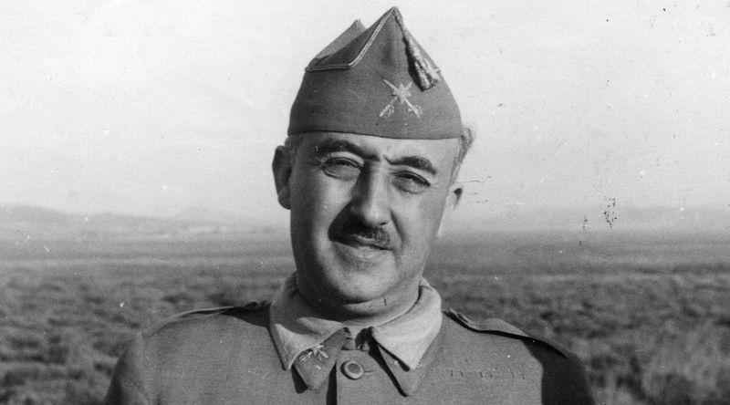 Empecemos por el principio, ¿en qué año se convirtió Francisco Franco en el caudillo?