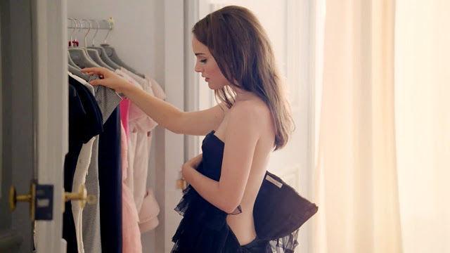 ¿A qué famosa espiarías mientras se cambia de ropa?