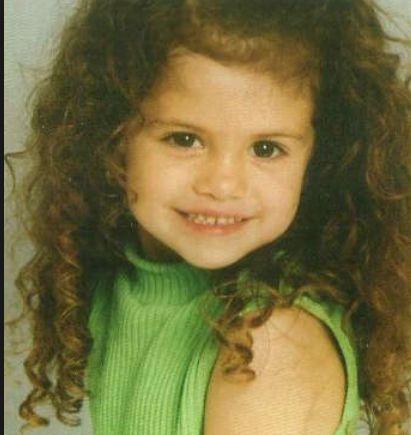 ¿Cuál de estas fechas es la correcta del nacimiento de Selena?