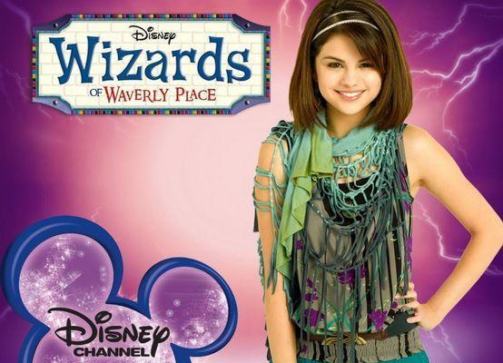 ¿Cuál es el nombre completo de Selena en  la serie televisiva Los Magos de Waverly Place?