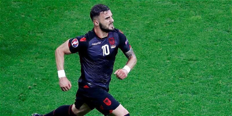 Vamos con el primero, jugador de la selección albanesa.