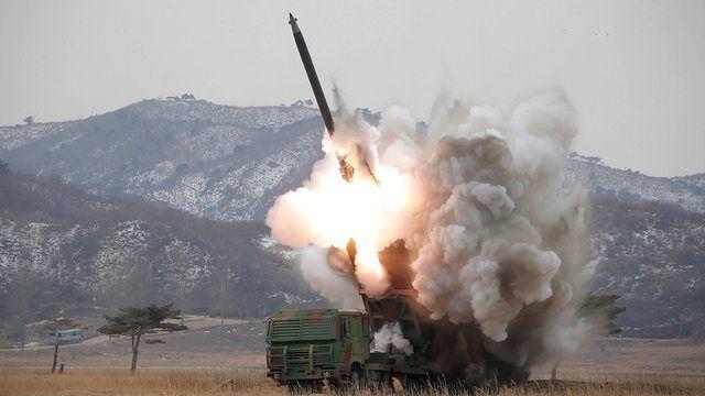 Batalla de Pyongyang. Las tropas sudcoreanas y japonesas entran en la capital de corea del norte.