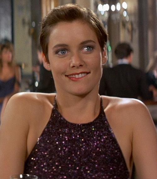 ¿Qué chica Bond fue la más alta (nombre de la actriz)?
