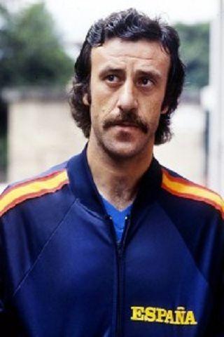¿Cuántos partidos jugó Vicente del Bosque con la selección española?