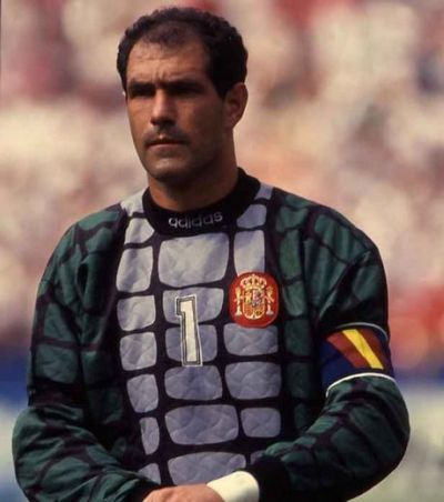 ¿Cuántos partidos jugó Andoni Zubizarreta con la selección española?