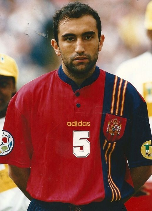 ¿Cuántos partidos jugó Abelardo Fernández con la selección española?
