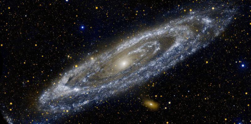 Nuestra galaxia (Vía Lactea) pertenece al tipo de galaxia...