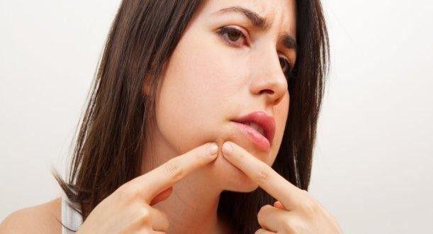 ¿Alguna vez te has quitado/reventado algún grano de la cara u otra parte y te lo has comido o has probado el líquido que tenía?