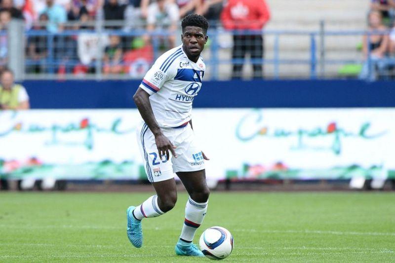 ¿A qué club ha sido traspasado el defensa Umtiti? (Procedente del Lyon)