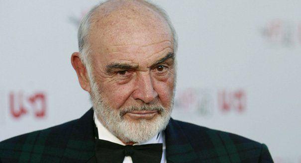 Sean Connery tuvo varias profesiones antes de ser actor , una de ellas fue...
