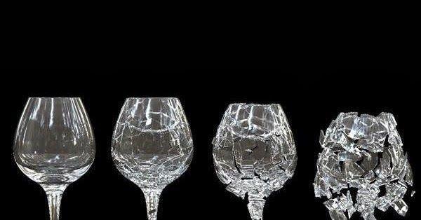 Puedes romper una copa con la voz