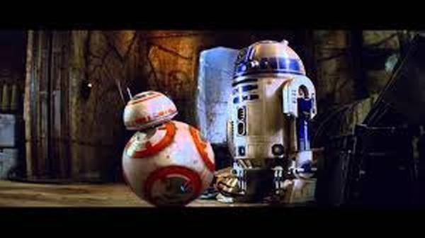 Otros acompañantes, estos adorables droides. ¿A cuál prefieres?