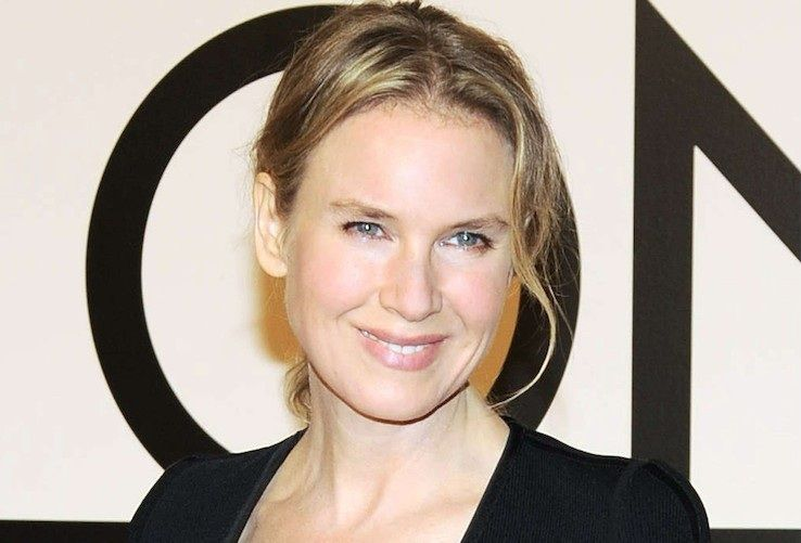 Renee Zeellweger trabajó antes de ser actriz en...