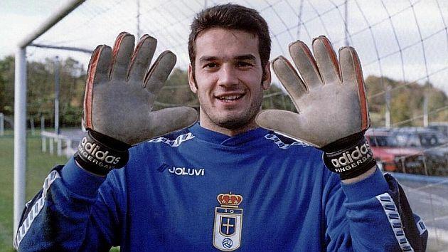 ¿Quién fue el capitán del Oviedo durante la temporada 2015/16?