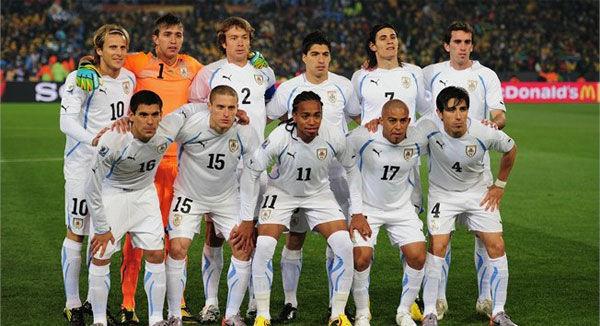 ¿Quién es el máximo goleador de la selección uruguaya?