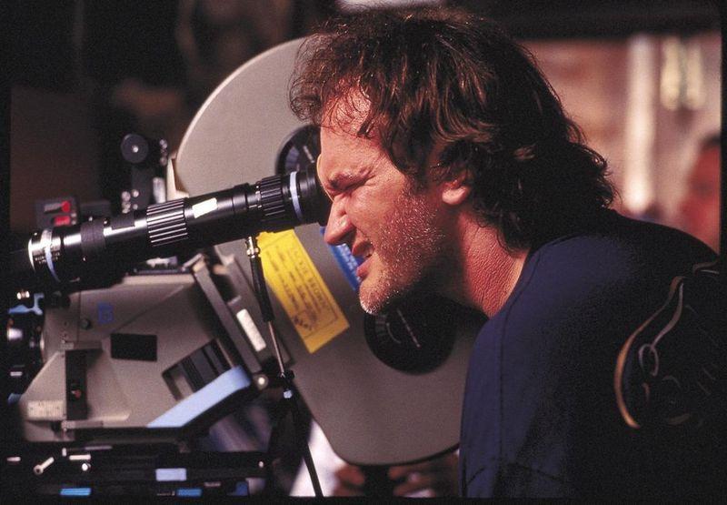 Los detalles del film: Y por ultimo, ¿Que miembro del equipo de Tarantino no participo en la película debido a su muerte?