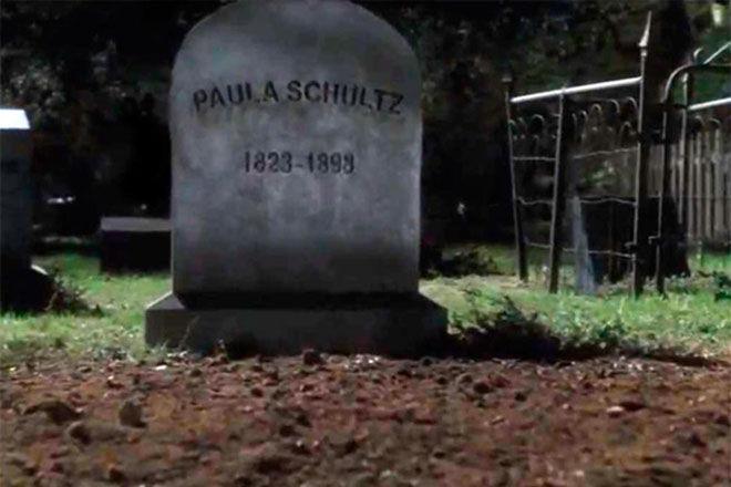 Curiosidades: Bien, ahora vamos con la mejor parte... seguro que estas curiosidades no las sabías. ¿Que tiene que ver esa tumba?
