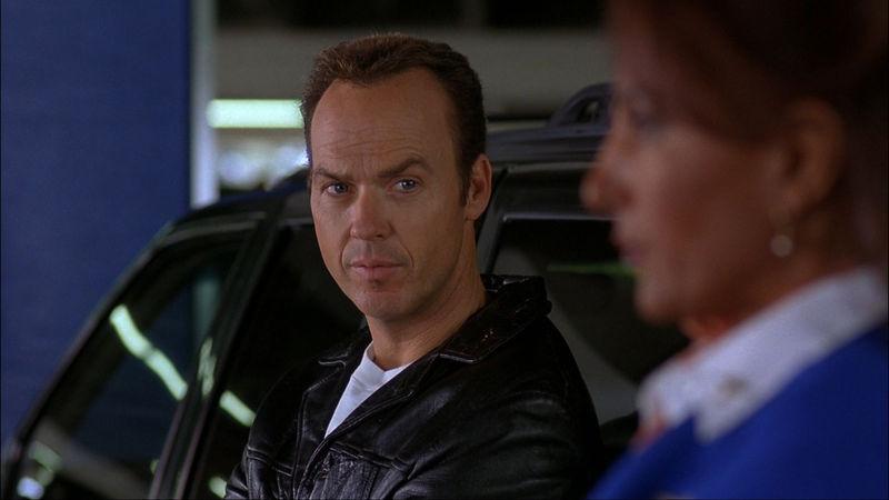 Llega el primer sobre con dinero... 50.000 $, pero la policía te detiene en el aeropuerto y te lleva a comisaria... tú...