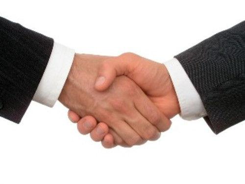 Por fin, tras mucho tiempo vagando, los humanos y poseedores de entes llegan a un acuerdo de paz, ¿Cómo será tu futuro?