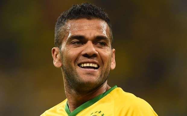 ¿A cuál club pertenece Dani Alves?