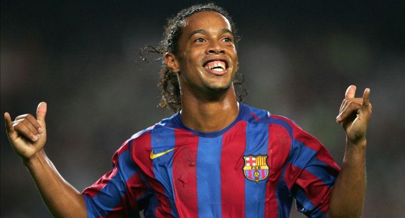 ¿En qué equipo juega Ronaldinho?