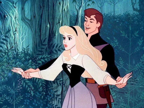 La Bella Durmiente se casa con el Príncipe, tienen dos hijos y...