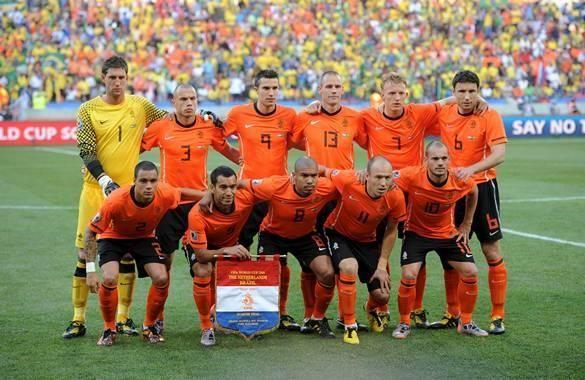 ¿Quién es el máximo goleador de la selección de los países bajos?