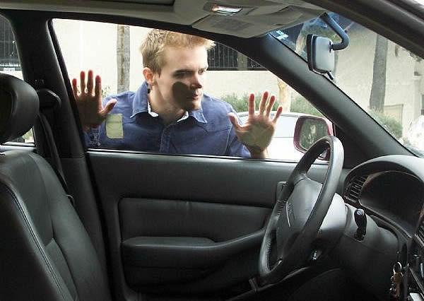Se te quedan las llaves en casa/coche. ¿Qué harías?