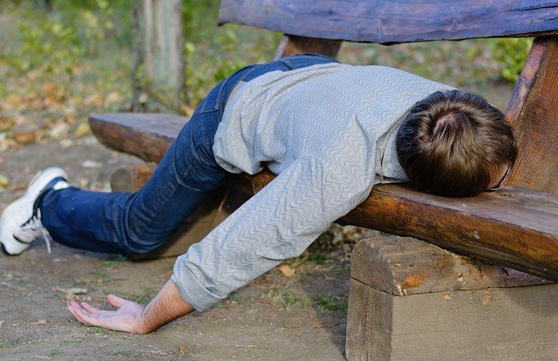 Un amigo viene a tu casa cansado. ¿Qué le das para refrescarse?