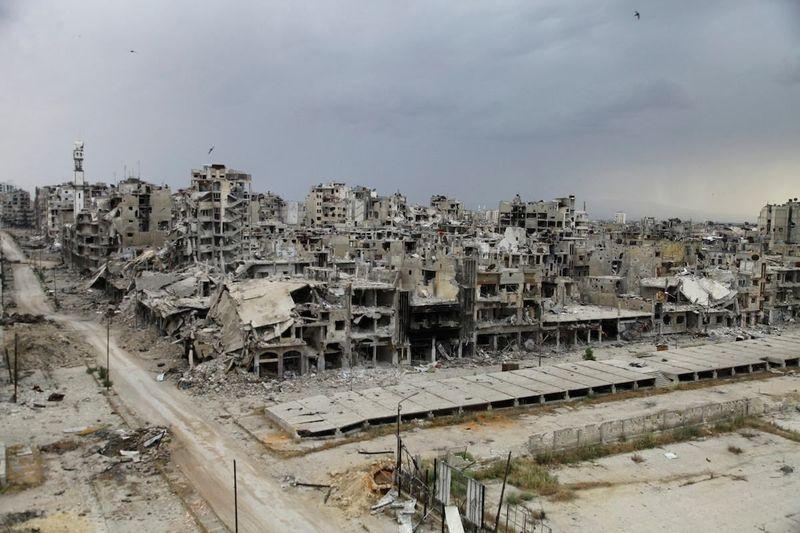 Como hablar es fácil, pongamos algo de práctica. Si fuerais líderes de alguna potencia ¿qué haríais con la guerra de Siria?