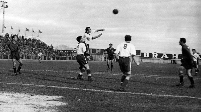 En 1950 el máximo goleador de la Selección fue Telmo Zarra, haciendo...