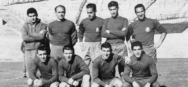 En 1962, España solo ganó un partido en primera ronda. Fue contra...