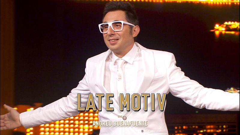 ¿Por qué Berto Romero fue vestido una vez de blanco al programa?