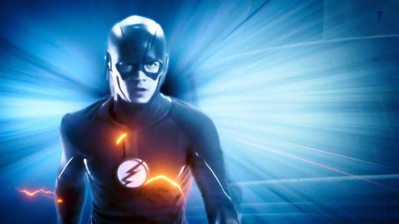 ¿En qué episodio Flash viaja en el tiempo por primera vez?