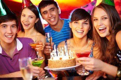 Toda la familia está invitada a los 30 años de tu prima Clara. No has recibido la invitación...