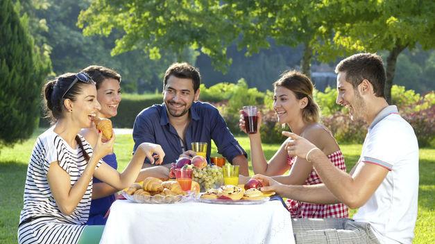 Te invitan a comer unos amigos y piensas:
